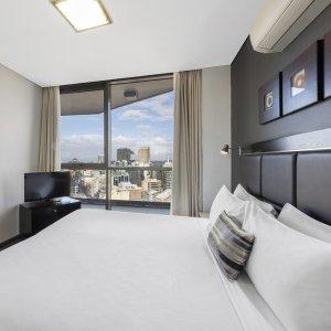 Meriton Suites Campbell Street酒店