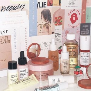 Free ShippingDealmoon Exclusive: Versed Skincare Value Set