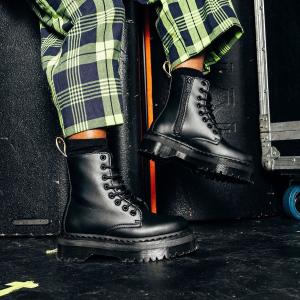 低至4折 $129入黑白1460Dr Martens 马丁靴、休闲鞋闪促来袭