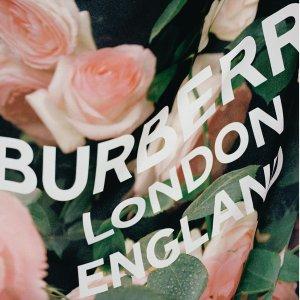 低至4折Burberry 时尚包包美衣热卖,TB斜挎包、新款卫衣都有