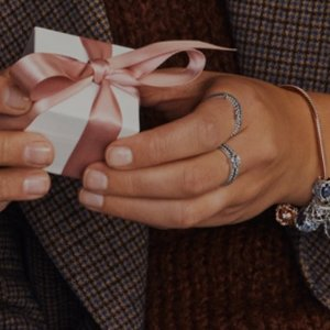 低至6.9折PANDORA 几款圣诞新品限时热卖 送爱人、家人和朋友
