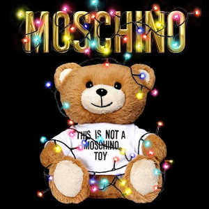 低至3折 €127收小熊背心Moschino 软萌小熊夏季大促 收logoT恤、卫衣、包包