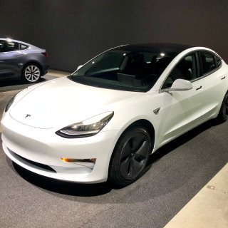 你们省下了一套苹果全家桶的钱买了Tesla Model 3 Performance选装包的有福了