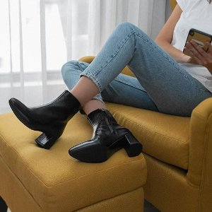 25% Off+Free ShippingDealmoon Exclusive: La Canadienne Selected Styles Shoes Sale