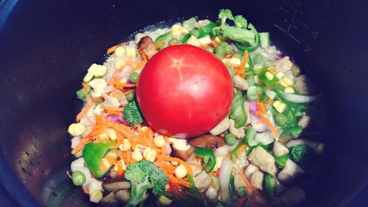 居家快手菜3——番茄香肠焖饭