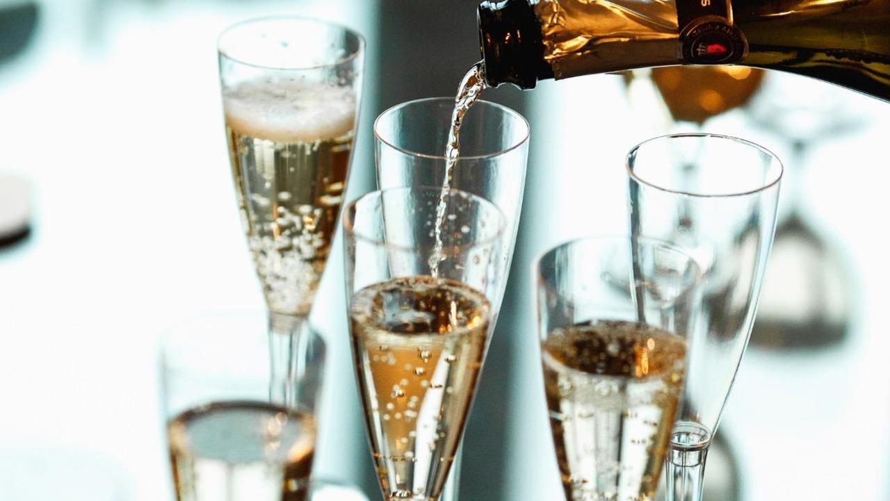 """起泡酒入门101--从""""香槟""""说起【香槟不是一种酒】"""
