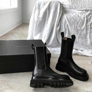 低至4.5折 邮差包直降$1000再降价:Bottega Veneta 奢牌捡漏 收潮人都爱的百搭战靴