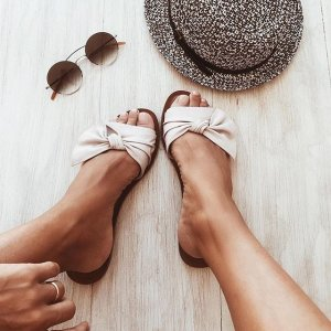 Extra 30% OffWomen's Sandals on Sale @ Aldo