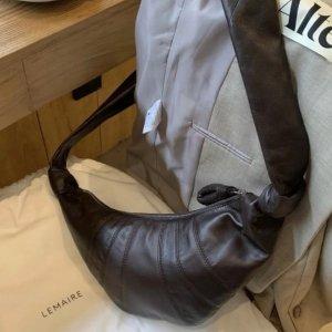 直接85折 €756收封面同款Lemaire 极简时尚罕见大促 大火可颂包款全 爱马仕前设计师品牌