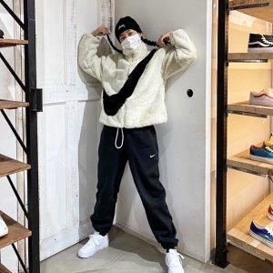 """$215包邮 黑色补货补货:Nike 爆款""""人造貂""""女款潮流夹克 收Jennie同款米白色"""