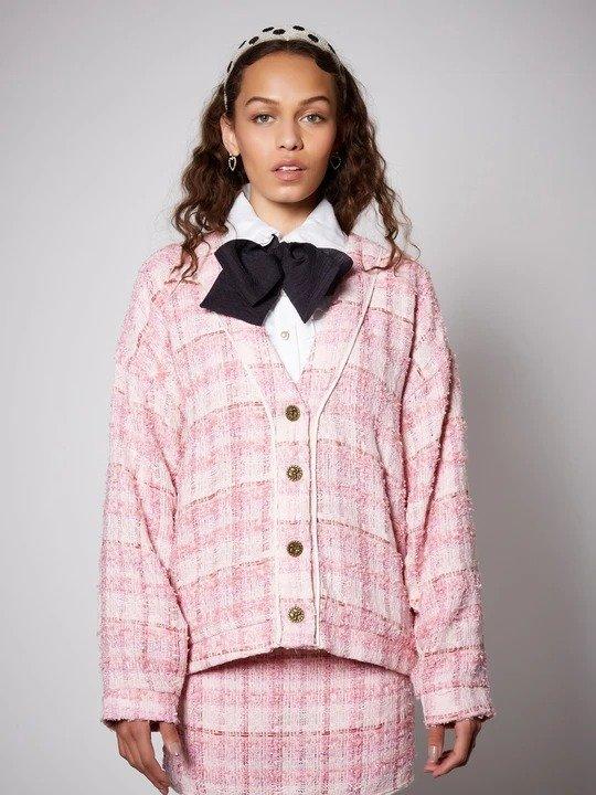 粉色针织外套