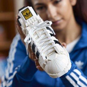 定价£79.99 7月1日上市LEGO X adidas Superstar贝壳头鞋 这鞋子不是拿来穿的!