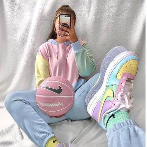 7折起 香芋紫卫衣$68Nike官网 彩虹色卫衣专场 舒适时髦的穿搭神器