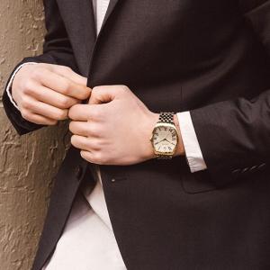低至2.4折,封面简约款$54闪购:Bulova 时尚腕表促销 收经典款