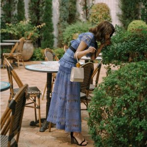 6折起+正价7.5折 £255收Jennie同款Self-Portrait 仙女裙折扣汹汹来袭 把握好时机