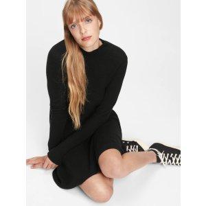 Gap羊毛混纺小黑裙