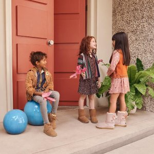 Up to 60% Off + Extra 10% OffDealmoon Exclusive: UGG Australia Kids Closet Sale