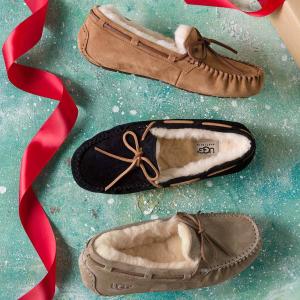 限37码 到手¥340逆天价:UGG Australia DAKOTA 经典蝴蝶结豆豆鞋