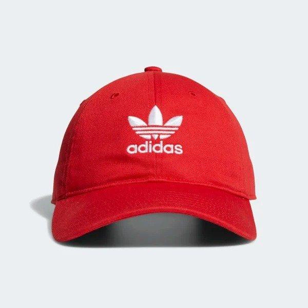 红色三叶草帽子