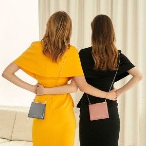 15% Off + Free ShippingCharles & Keith Cute Boxy Clutch