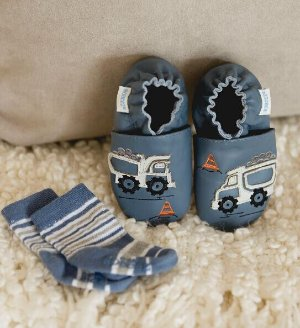 Save Up to 50% Off + Extra 25% offAll Sale Baby Footwear @ Robeez