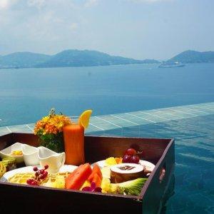 低至2人£5/晚!泰国芭东海滩精品酒店 购物休闲、海鲜架、泳池趴我全都要