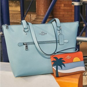 Up to 70% OffCOACH Outlet Summer Getaway Styles