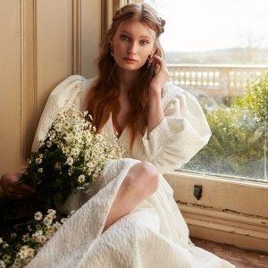 低至3折+额外8折Sister Jane 春季大促 €31法式方领上衣 €39收卡其色连衣裙
