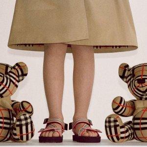 5折起+满减 格纹帽子€105Burberry 大童惊喜折扣 12-14Y格纹裙、小西装、T恤全在线
