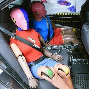 IIHS:后排安全不容忽视后排乘客也是人 厂商不能这么干 原来后排这么危险