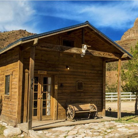 Starting from $160/NightGrand Canyon Western Ranch Cottage and Tent