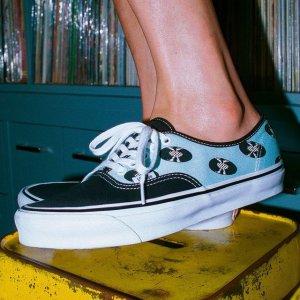 全场7折!€49收腰果花一脚蹬Vans 潮酷滑板鞋热促 春夏和清新帆布鞋更配哦