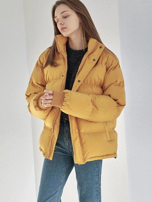 黄色面包羽绒服