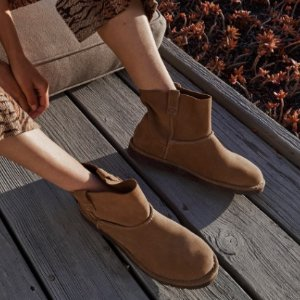 $45UGG Classic Unlined Mini Ankle Boot