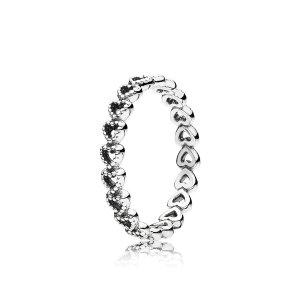 Pandora爱心戒指