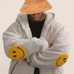 低至4折 笑脸卫衣£60折扣升级:W Concept 笑脸潮牌好折续航 最火设计 全明星笑脸上线