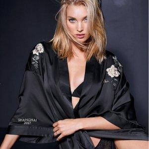 限时7折+免费毛拖Victoria's Secret官网限时促销 收超模大秀同款睡袍、T恤
