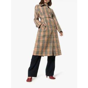 Burberry格子大衣