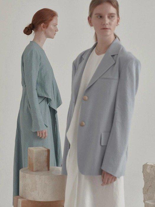 淡蓝色西装外套
