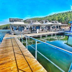 每晚价格$125起小众度假选择 游艇自驾出海 水上住宿 船屋体验 私密且安全