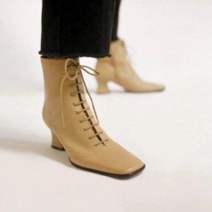 现价€395.25(原价€465)by far 官网断货款becca高跟鞋 特价 需用码