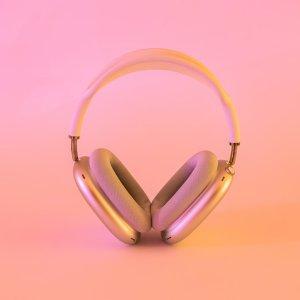 折后€487起 多色可选史低价:Apple AirPods Max 无线降噪耳机热卖 革命性聆听体验