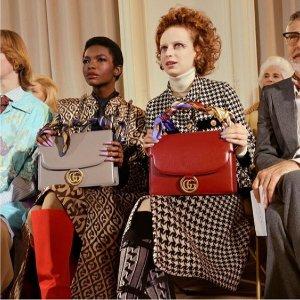 低至6折 老花围巾£221就收11.11独家:Gucci 惊天好价提前享 酷潮风范 Zumi包、老花围巾、双G乐福全参与