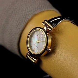 $53.6(原价$87.75)圣诞礼物:Anne Klein 女士珍珠母贝时装腕表
