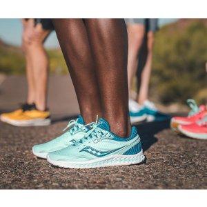 SauconyKinvara 11 女子运动鞋
