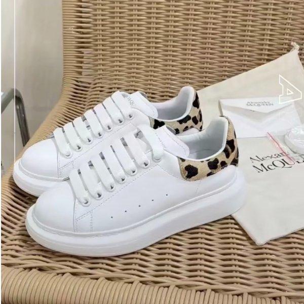 豹纹尾小白鞋