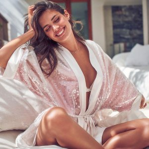Extra 25% OffSleep @ Victoria's Secret