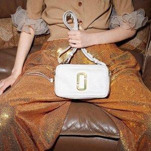 满额最高8折 马卡龙色卡包凑单Marc Jacobs 精选相机包 收粉色果冻相机包