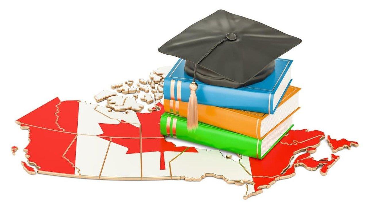 在加拿大读中学如何找监护人?家长可以陪读吗?怎么选择私立/公立学校?