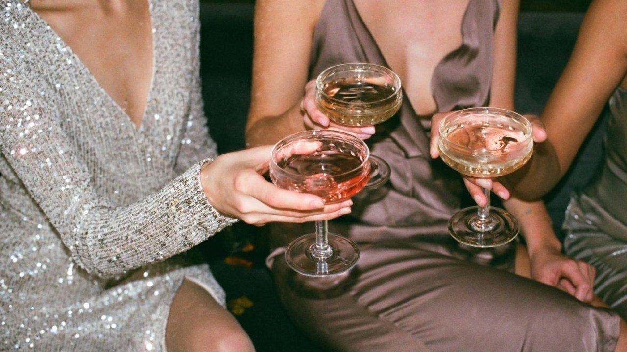 选礼服|论场合,看身材,讲试穿...手把手教你如何买礼服